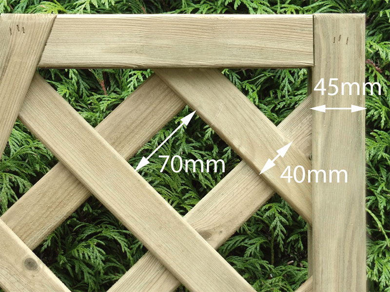 Heavy Dia Lattice Panel Square 1.80m x 0.30m Pressure Treated Green_1