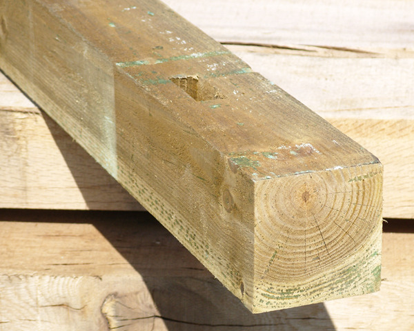 Timber Post 2.4m Green 100x100mm  M3 HC4